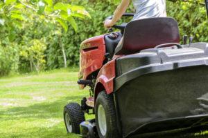 Quand faut-il investir dans un tracteur pour entretenir son jardin ?