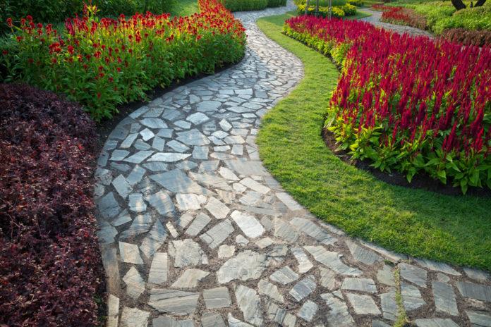 Quel matériau choisir pour son allée de jardin ?