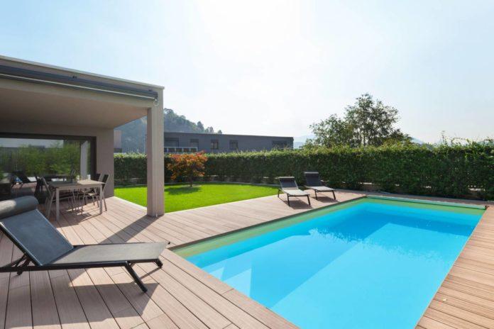 Comment préparer son jardin pour accueillir une piscine en bois (3)